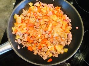 mélange poivrons échalottes viande curry