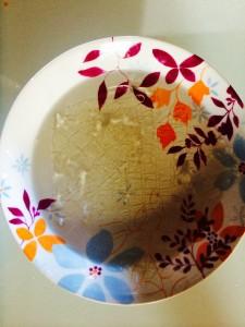 ramollissement des feuilles de gélatine dans l'eau