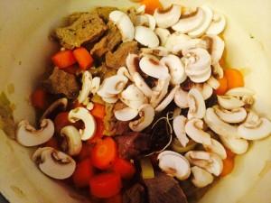 Ajout des champignons coupés