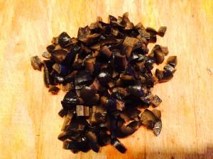 olives noires coupées en dés