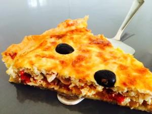 présentation tarte thon poivrons échalotes