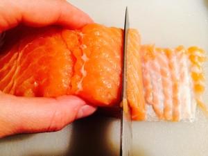 découpe du saumon en lamelles