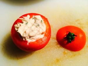 tomates remplies avec mélange thon ciboulette
