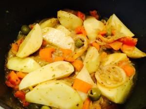 ajout des olives et des pommes de terre