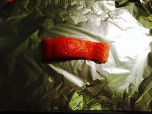 pavé de saumon sur papier alu