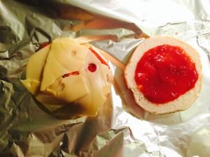 ajout du fromage et du ketchup