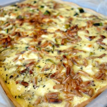 Tarte courgettes feta pignons basilic
