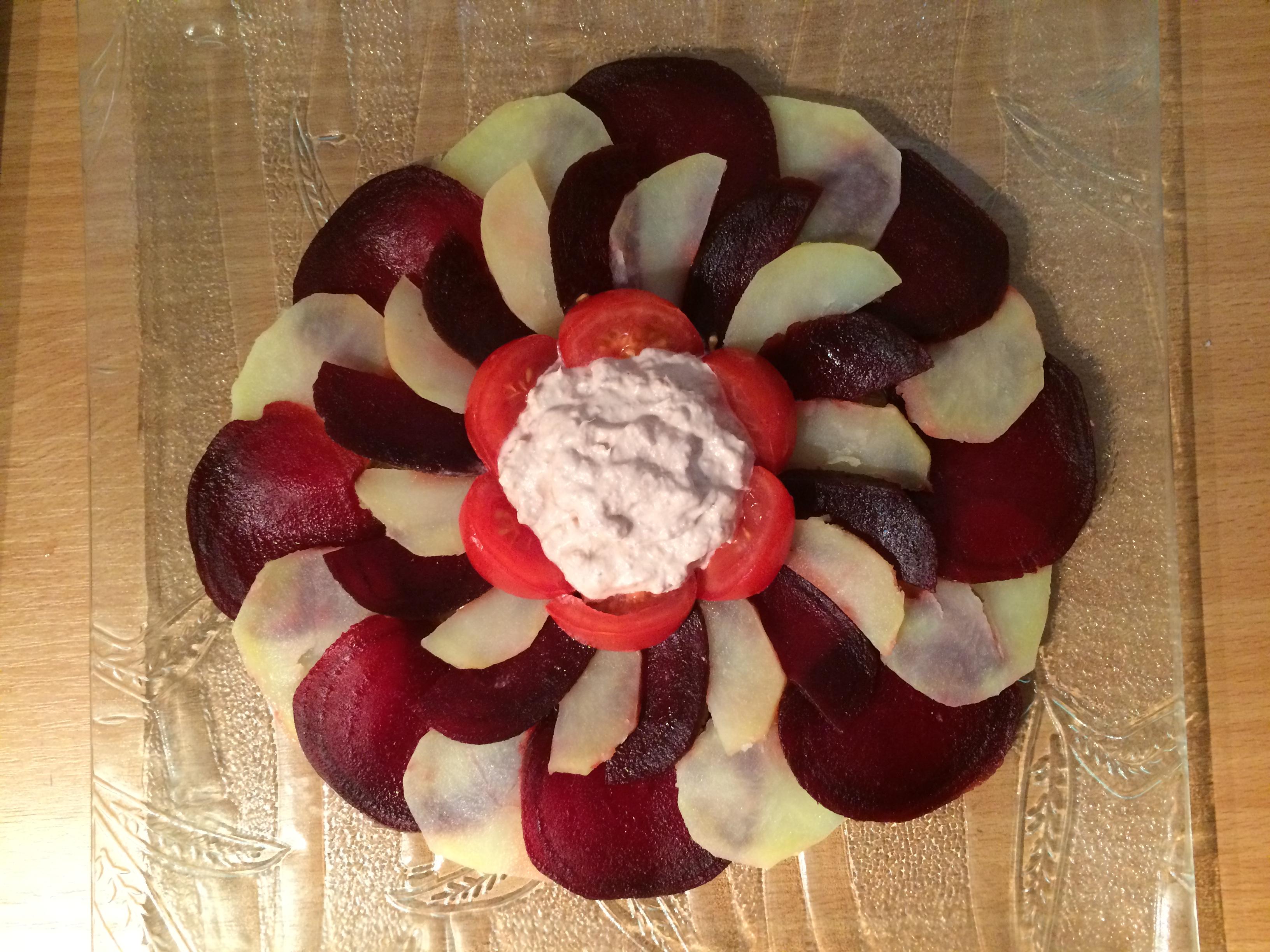 salade thon betteraves tomates pommes de terre sorosebonbons. Black Bedroom Furniture Sets. Home Design Ideas