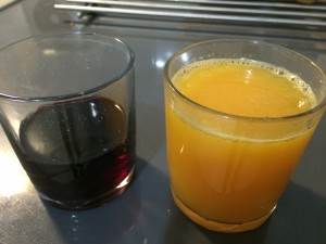 jus d'orange et vin rouge