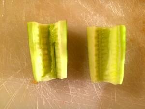 épépinez le concombre
