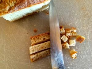 réalisation des croûtons de pain