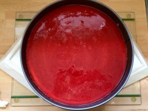 ajout du coulis de fraises