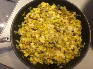 cuisson du mélange poireaux/ oignon