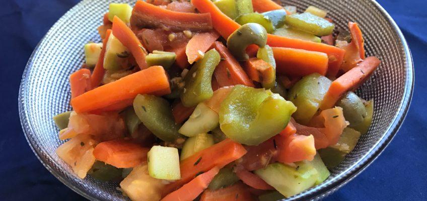 Poêlée de légumes : carottes poivrons courgettes olives